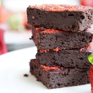 Healthy, High-Protein, Low-Fat Strawberry Brownies