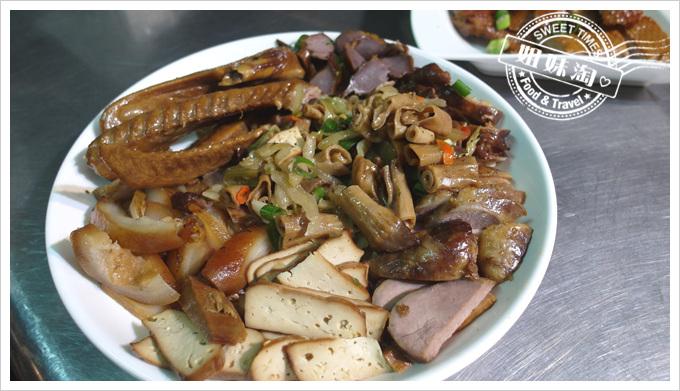 舟董鹹水雞-滷味盤