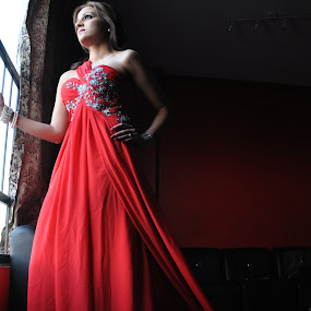 Long Tail Dress girl by Assam Khan - People Fashion ( fashion, girl, dress, darkness, photography )