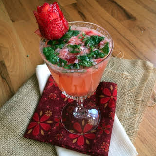 Strawberry Vodka Mojitos.