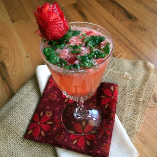 Strawberry Vodka Mojitos.