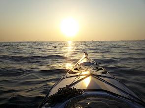 Photo: Napfelkeltétől napnyugtáig kint a tengeren.