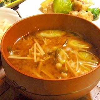 Wakame and Enoki Miso Soup