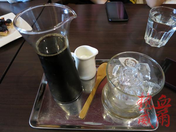 下午茶:貓妝自家烘焙咖啡館(有三隻店貓)@ 捷運中山站
