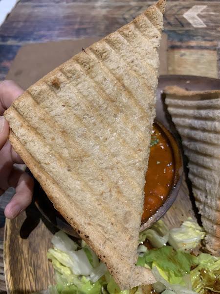 帶辣、香料味十足的咖哩~配飯、配麵包~好吃~推