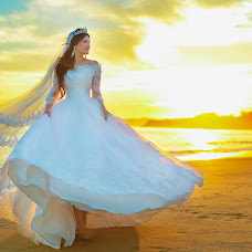 Wedding photographer Nikolay Nikolaev (NickFOTOGROff). Photo of 26.10.2017