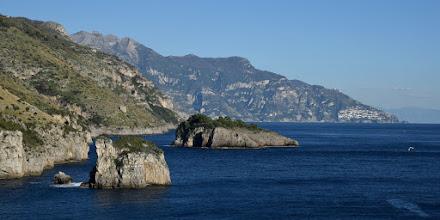 Photo: da sx in alto: Malacoccola, S. Angelo a Tre Pizzi e Tre Calli. da sx a livello mare: sc. Scruopolo e isolotto Isca e Capo Sottile.