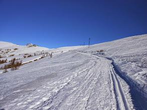 Photo: Presa la strada e con il vento, calato proseguiamo senza intoppi verso il Colle Sampeyre.