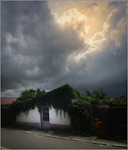 """Photo: """"Există şi răstimpuri când se moaie,  Când parcă nu mai toarnă-aşa, de sus,  Şi cerul câte-oleacă, spre apus,  Se luminează puţintel - a ploaie. """" Ploua - George Toparceanu Imagine de pe Str. Salinelor - 2018.06.18"""