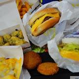 扭登和未來漢堡雙醬咖哩飯(楠梓火車站前店)