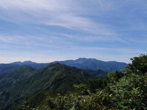 笈ヶ岳と白山