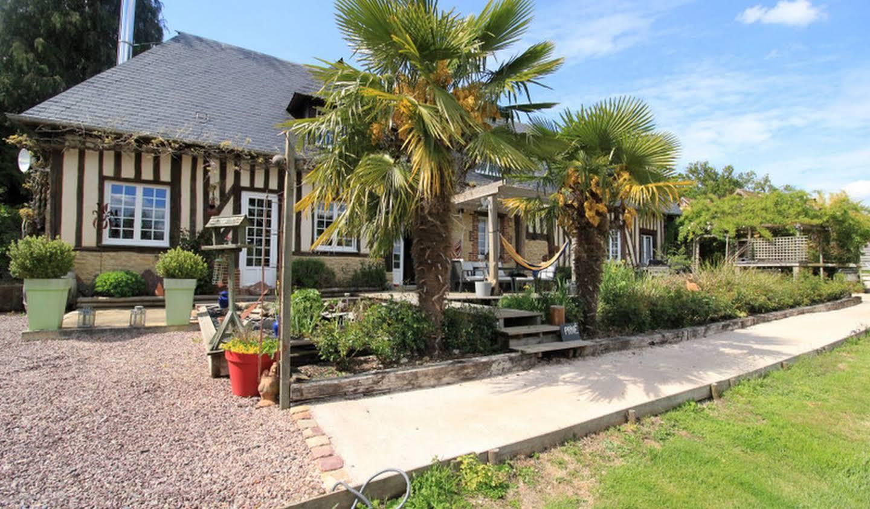 Propriété avec piscine et jardin Saint-Martin-de-la-Lieue