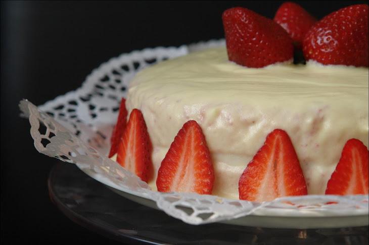 Strawberry Cake with White Chocolate Icing and Yogurt Recipe