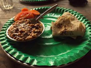 Photo: Mittagsimbiss: Roti mit Dhal soviel Du willst