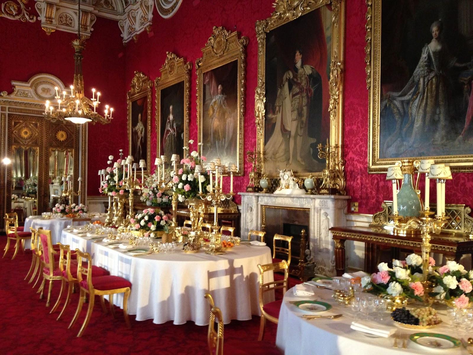 Букингемский дворец Парадная столовая