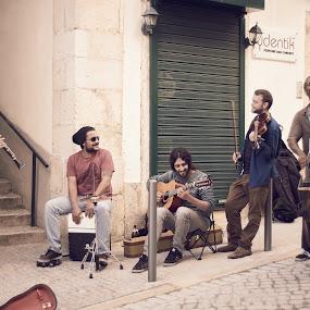 music by Paulo Rodrigues - People Musicians & Entertainers ( urban, sagrada família, street, sonya6000, pessoas, lisbon, portugal, cores, picnic )