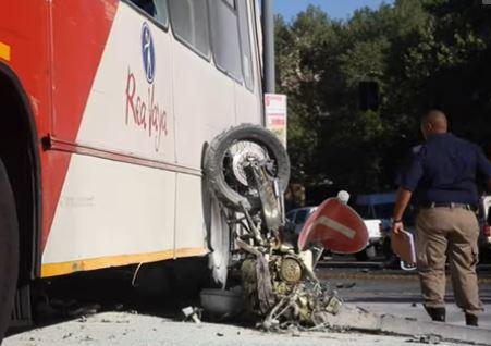 KYK | Vader en kind, 10, sterf in ongeluk tussen motorfiets en Rea Vaya-bus - HeraldLIVE