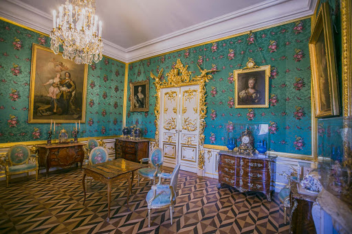Peterhof-Palace-Standard-Room.jpg - The Standard Room in Peterhof Palace near St. Petersburg, Russia.
