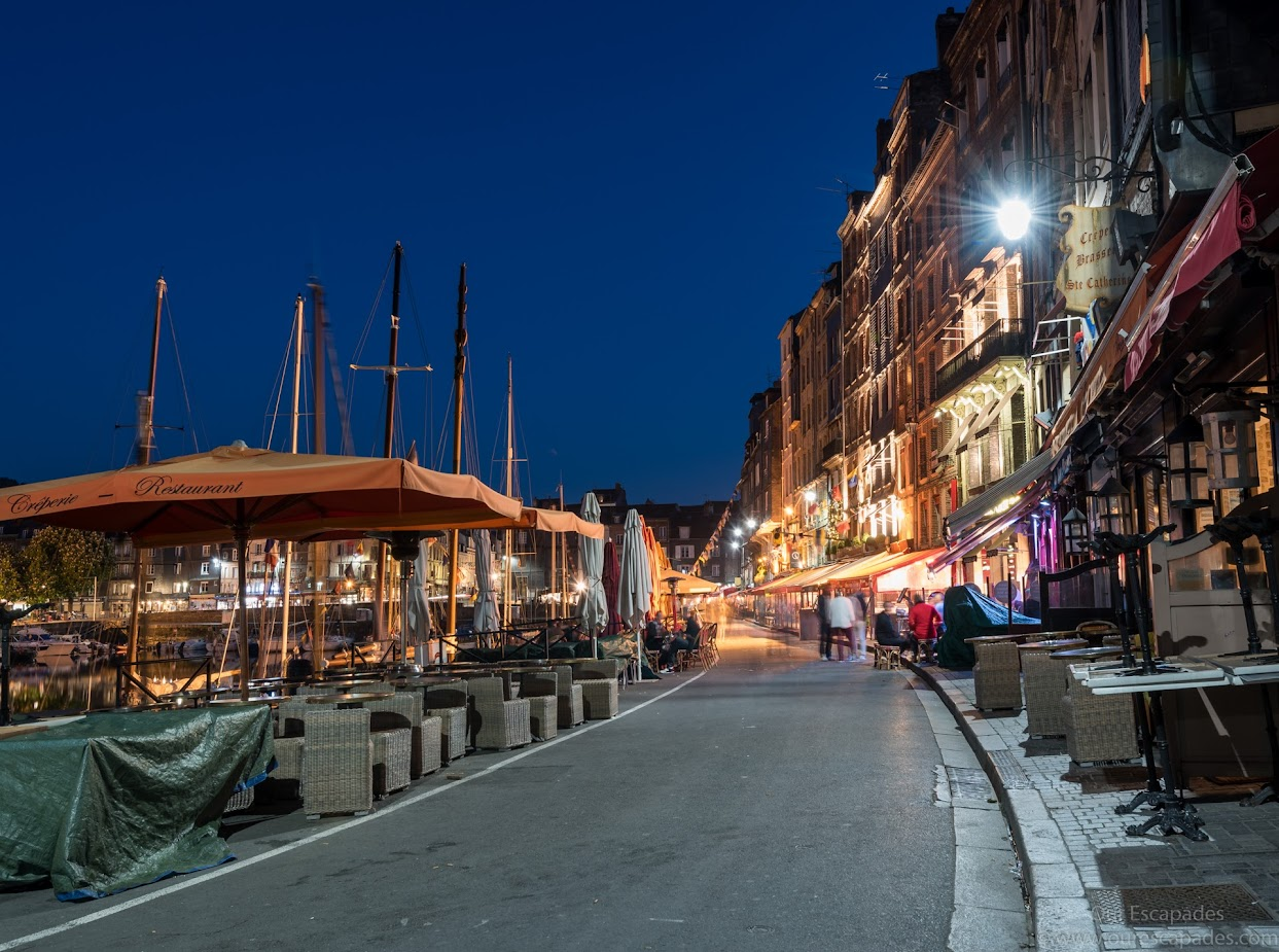 Restaurants along the Vieux Basin... Wouldn't you love to dine here?