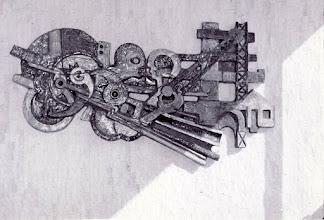 Photo: Reliëf gegeven als relatiegeschenk voor een handel in staalprofielen, 1 m x 2,5m, 1977 afgebeeld technische vormen, huis, koppen i.o.v. de firma Stokvis Amsterdam, tekst achterop zegt 1 x 2 meter