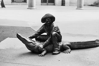 Photo: statue downtown
