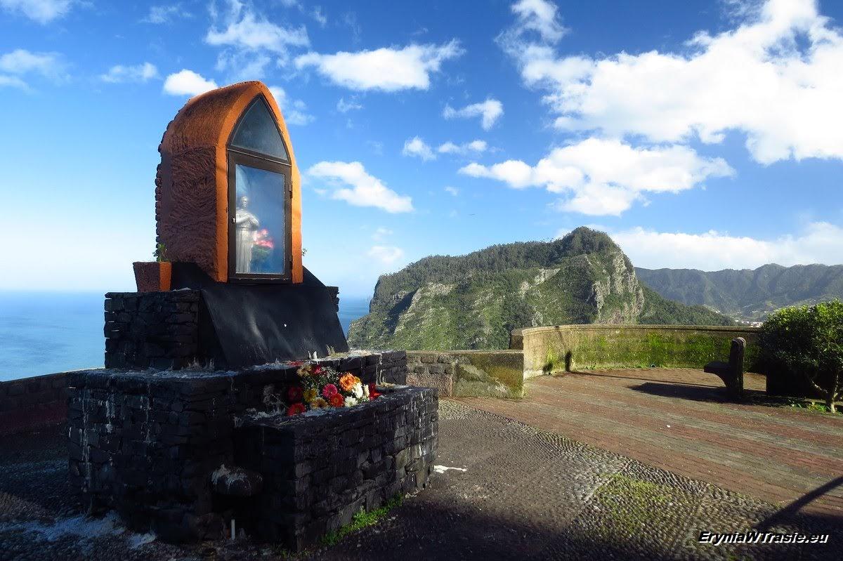 patrz: Wschód ipółnoc Madery