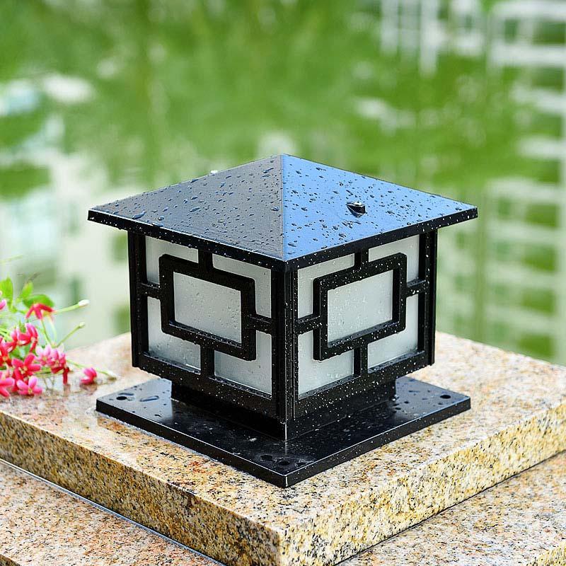 Nên thiết kế mẫu đèn trang trí sân vườn theo phong cách ra sao?