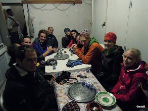Photo: čajování v Rifugio Tarkedit. Tak jsme se naspídovali, že jsme půlku noci nespali kvůli čaji.... A druhou kvůli větru.