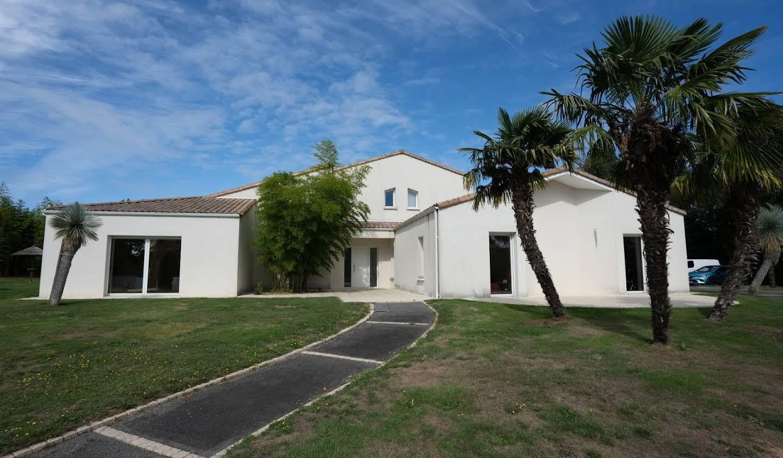 House Saint-Pardoux