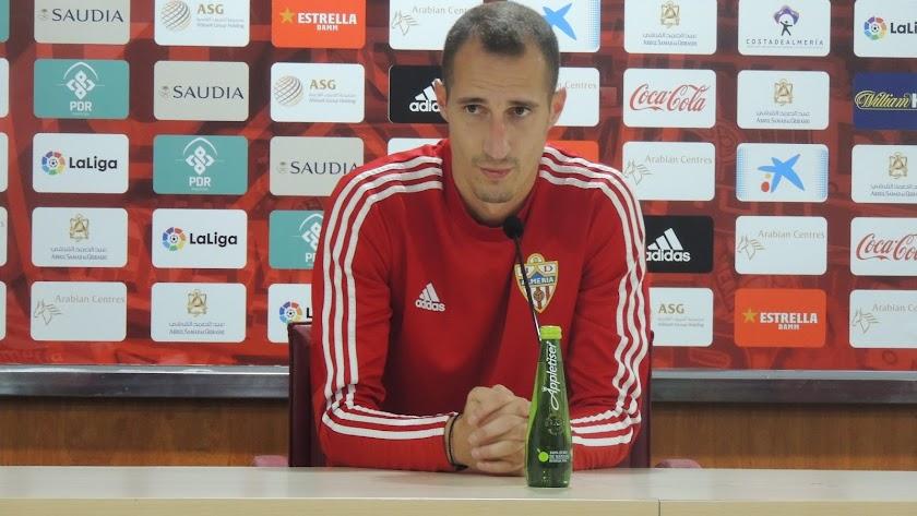 Petrovic, en la sala de conferencias del Estadio de los Juegos Mediterráneos.