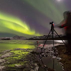 The Aurora photographer by Bragi Kort - Landscapes Starscapes ( kleifarvatn, iceland, aurora borealis, northern lights, reykjanes, longexposure )
