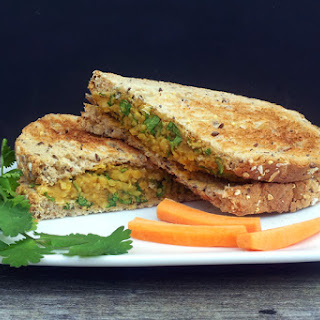 No-Chicken Coronation Sandwich [vegan].