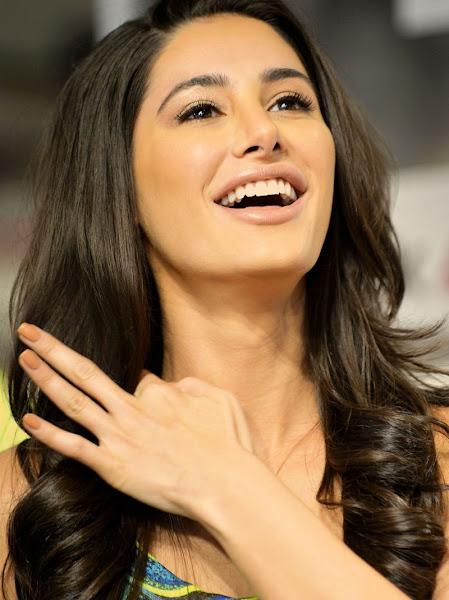 Nargis Fakhri face, Nargis Fakhri beautiful