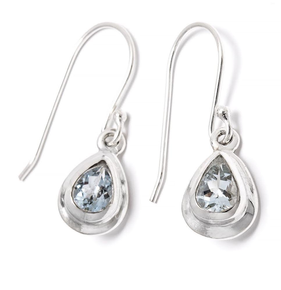 Akvamarin, fasettslipad droppe silverkant