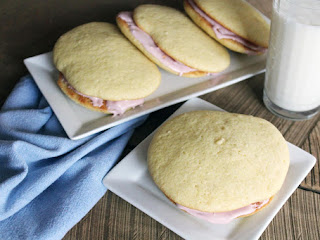 Vanilla Whoopie Pies With Raspberry Cream Filling Recipe