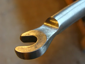 Photo: Seamless finishing as the dropout flows into the fork blade.