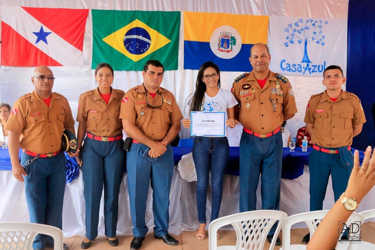 """4º GBM recebe certificado de """"Amigo da Casa Azul"""""""