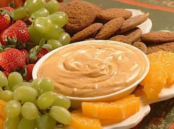Pumpkin Dip with Gingersnaps and Fruit