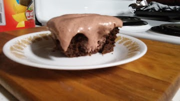 Tipsy, Irish Mudslide Poke Cake Recipe