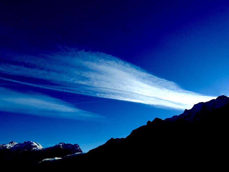 scia d'aereo....o nuvola veloce? di mariellaturlon