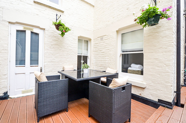 Patio in Daventry Street