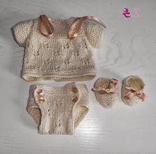 Photo: Creación propia: jersey, braga-pañal, patucos.