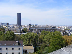Photo: Now up on the roof, near the entrance to the main dome, with its fine views of the city - here towards the Montparnasse Tower.