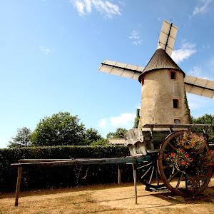Moulin à grain en Vendée.jpg