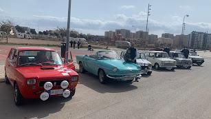 Vehículos clásicos, el pasado domingo en el Parque de las Familias de Almería.