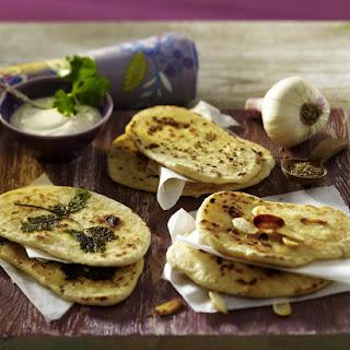 Naan Bread with Garlic Yogurt Dip