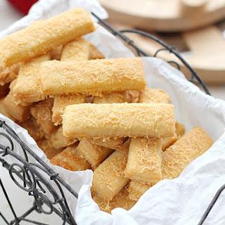 4 Ingredients Cheese Sticks