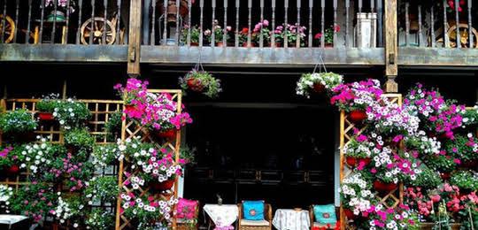 Lijiang Wangjia Courtyard Inn
