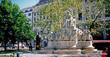 Photo: 14 mei. Boedapest. Vorosmarty monument.