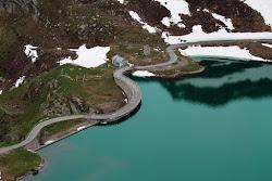 Strada al lago dell'Agnel, sul Gran Paradiso.